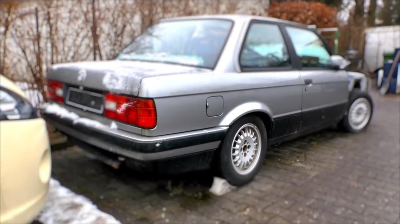 BMW E30 Корч